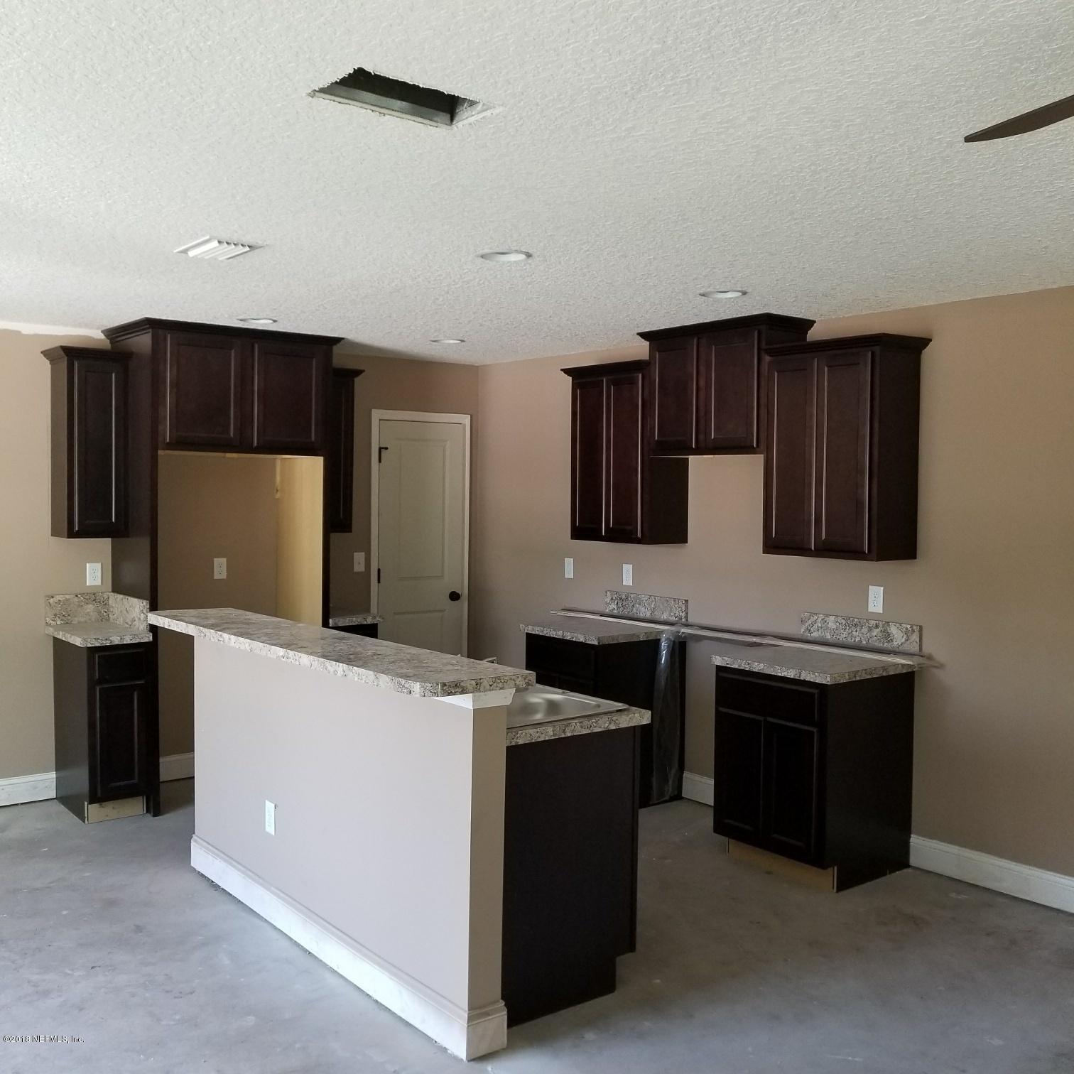 380 OLD JENNINGS, ORANGE PARK, FLORIDA 32065, 3 Bedrooms Bedrooms, ,2 BathroomsBathrooms,Residential - townhome,For sale,OLD JENNINGS,902821