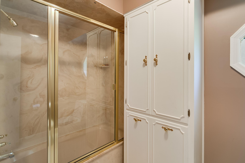 8165 HOLLYRIDGE, JACKSONVILLE, FLORIDA 32256, 4 Bedrooms Bedrooms, ,3 BathroomsBathrooms,Residential - single family,For sale,HOLLYRIDGE,933115