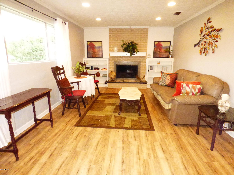 5633 OLD MIDDLEBURG, JACKSONVILLE, FLORIDA 32222, 6 Bedrooms Bedrooms, ,3 BathroomsBathrooms,Residential - single family,For sale,OLD MIDDLEBURG,947229