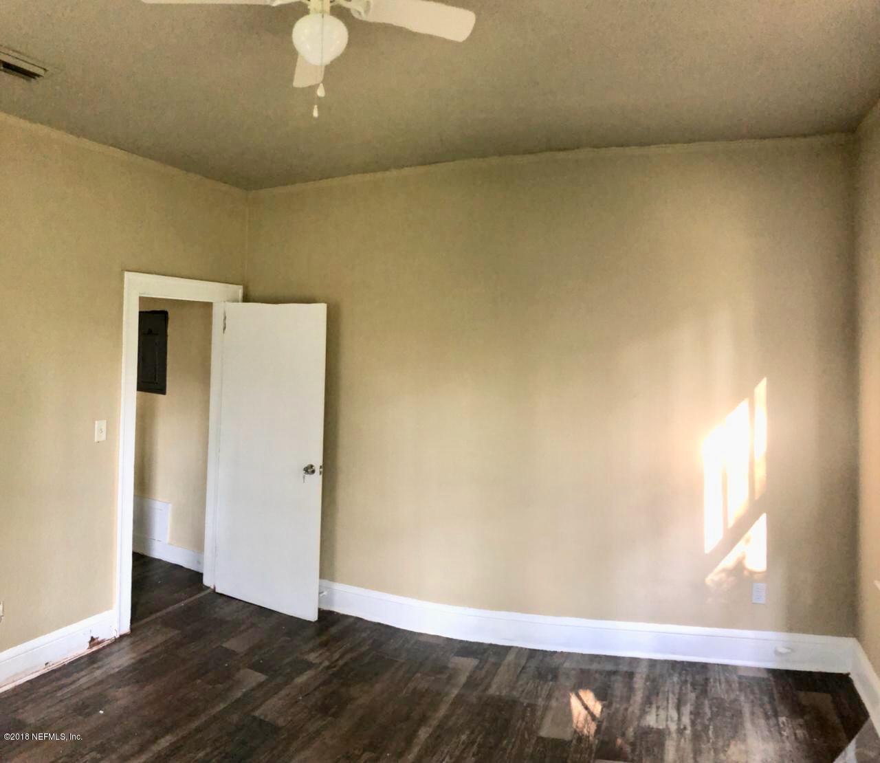 481 GOLFAIR, JACKSONVILLE, FLORIDA 32206, 3 Bedrooms Bedrooms, ,1 BathroomBathrooms,Residential - single family,For sale,GOLFAIR,949812