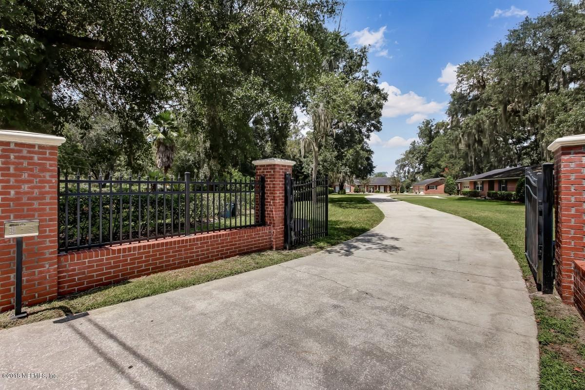 2503  BISHOP ESTATES RD, Jacksonville, Florida