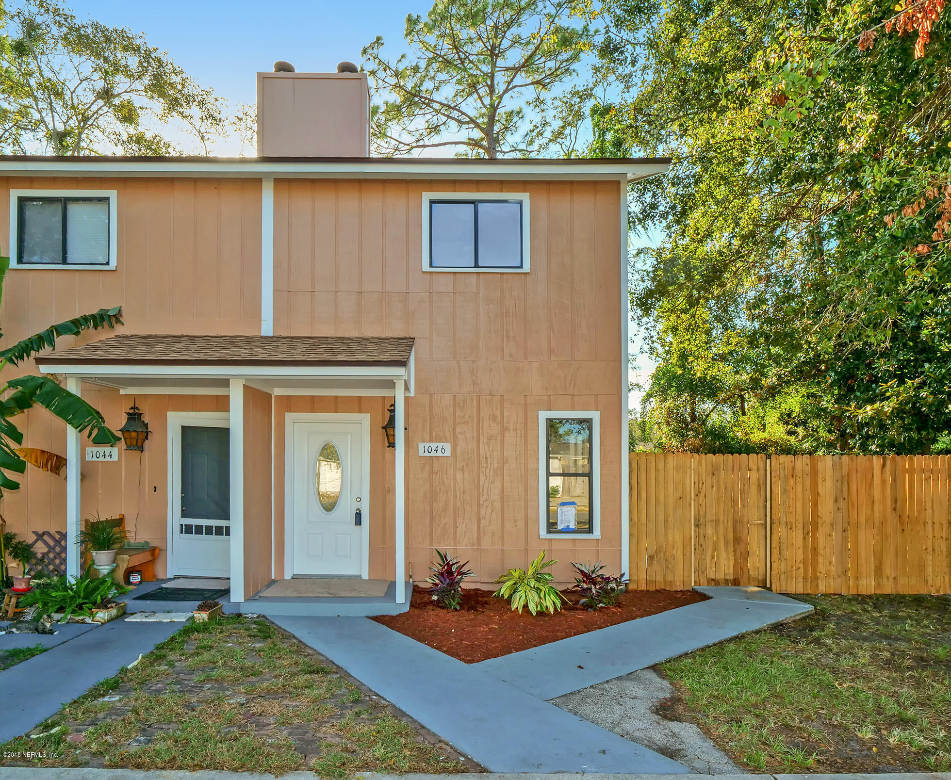 1046 HIBISCUS, ATLANTIC BEACH, FLORIDA 32233, 2 Bedrooms Bedrooms, ,1 BathroomBathrooms,Residential - townhome,For sale,HIBISCUS,959824