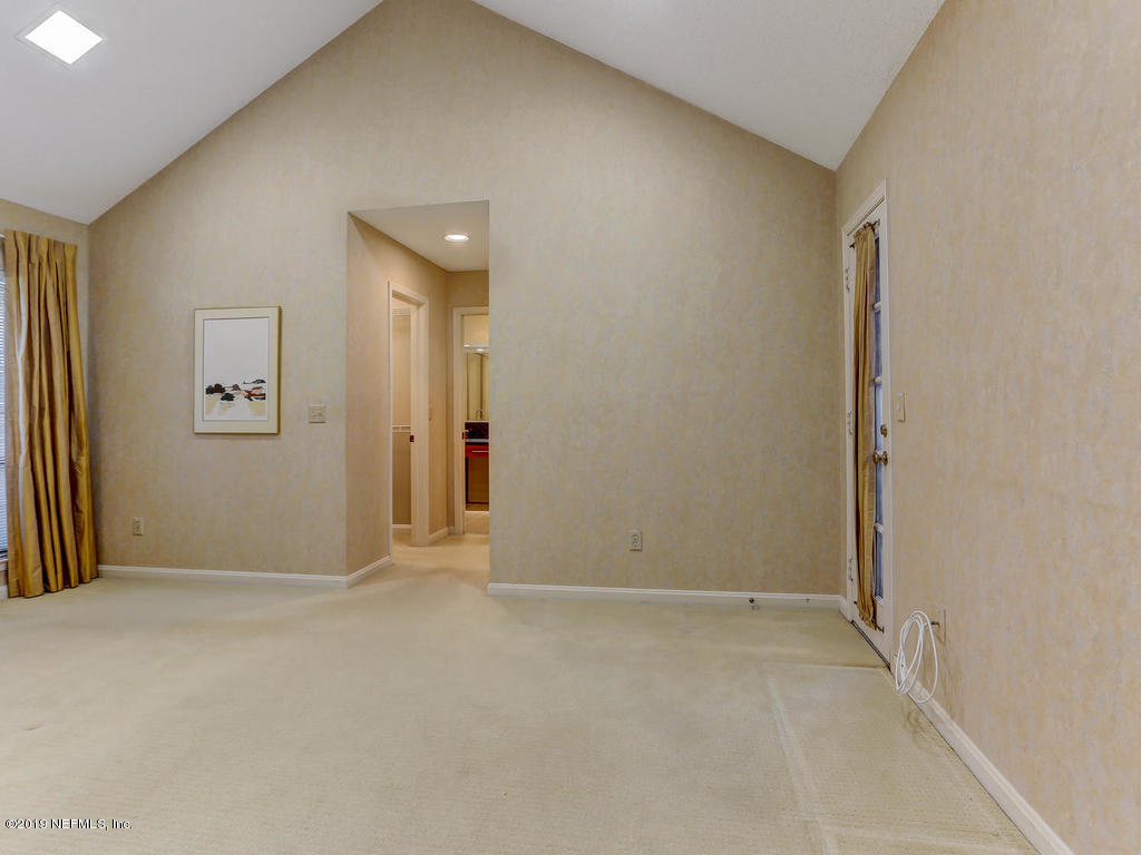 2647 FOREST POINT CT JACKSONVILLE - 32