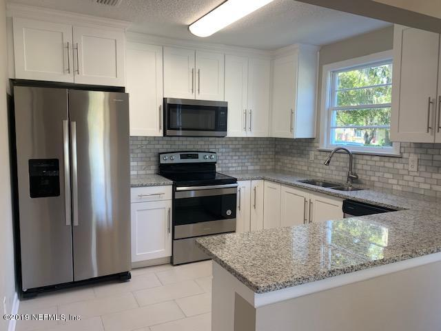 Photo of 523 ST JOHNS, GREEN COVE SPRINGS, FL 32043
