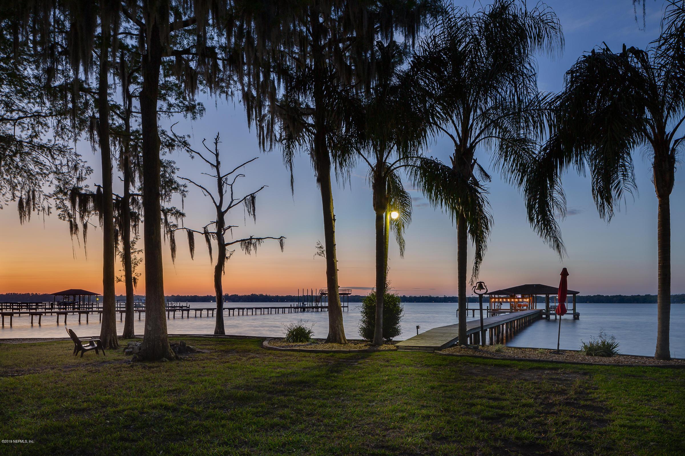 1823  LAKESHORE DR N, Fleming Island, Florida