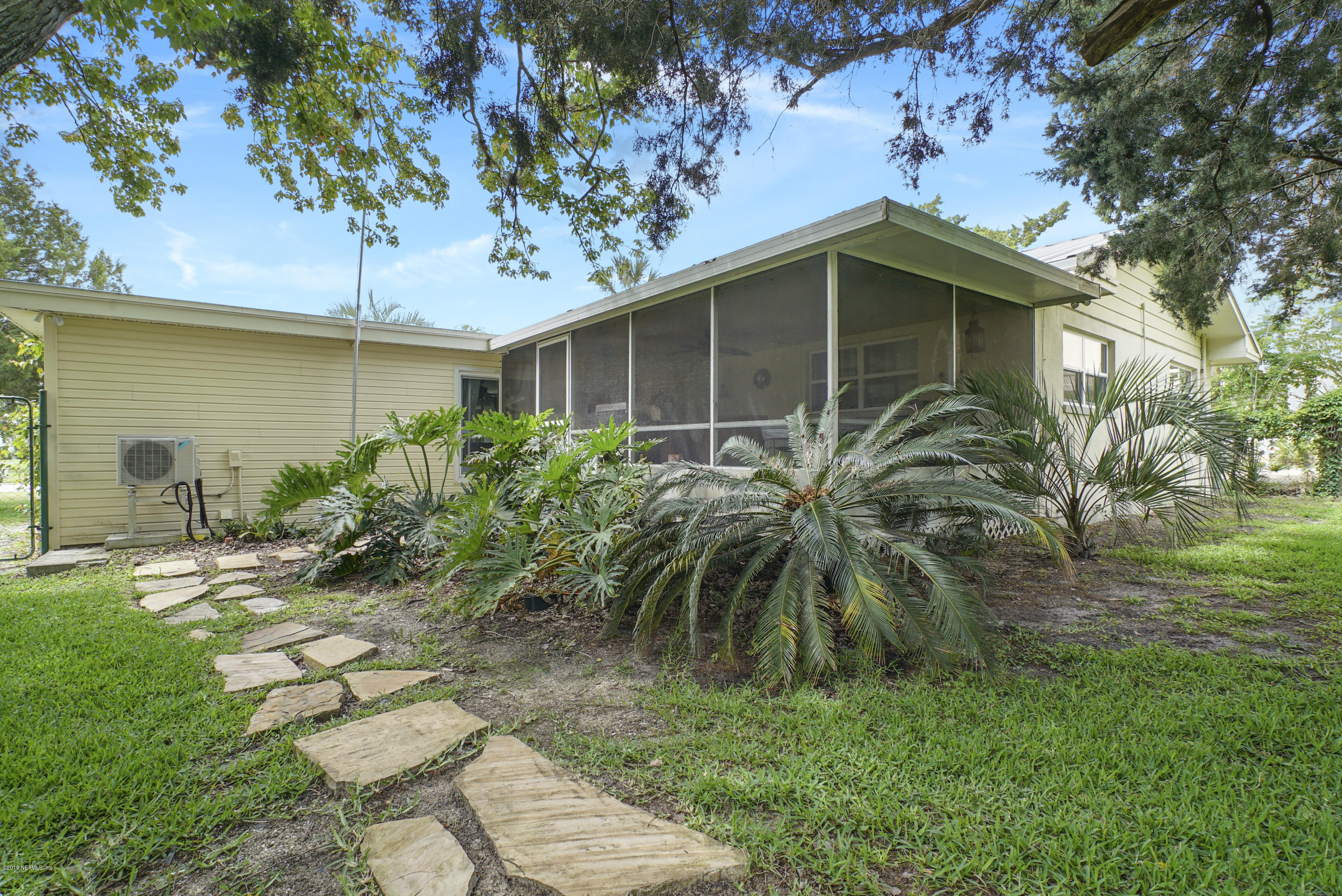 32 DOLPHIN DR ST AUGUSTINE - 27