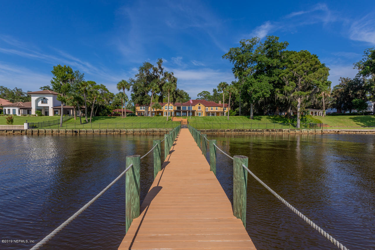 8652 CATHEDRAL OAKS, JACKSONVILLE, FLORIDA 32217, 5 Bedrooms Bedrooms, ,6 BathroomsBathrooms,Residential,For sale,CATHEDRAL OAKS,1009097