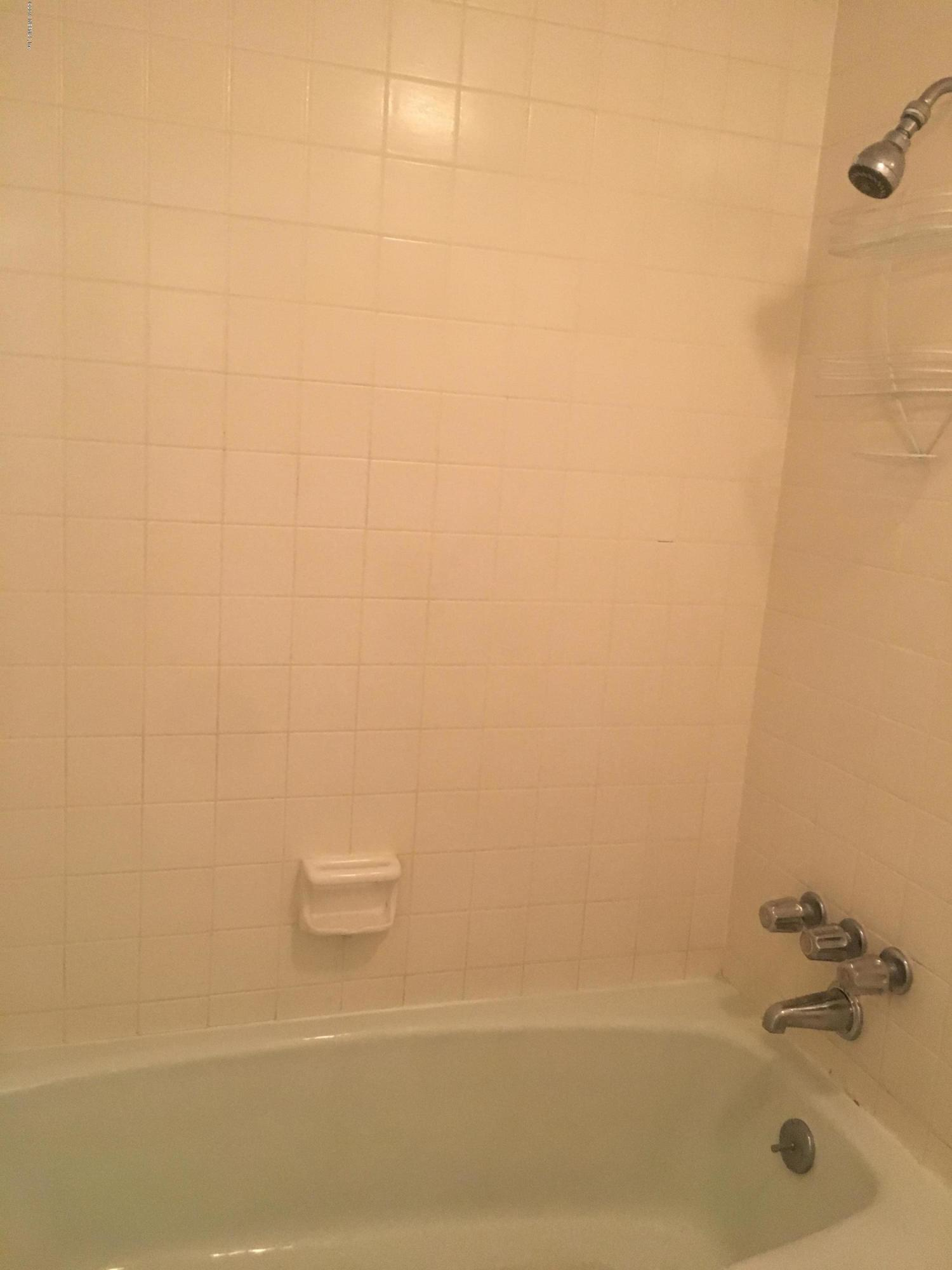 7703 LAS PALMAS, JACKSONVILLE, FLORIDA 32256, 2 Bedrooms Bedrooms, ,2 BathroomsBathrooms,Condo,For sale,LAS PALMAS,1014428