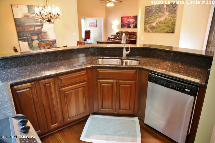 4020 LAVISTA, JACKSONVILLE, FLORIDA 32217, 2 Bedrooms Bedrooms, ,2 BathroomsBathrooms,Condo,For sale,LAVISTA,1015694