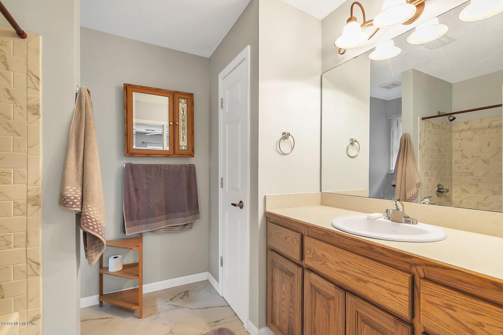 4856 CHESTNUT FOX, MIDDLEBURG, FLORIDA 32068, 3 Bedrooms Bedrooms, ,2 BathroomsBathrooms,For sale,CHESTNUT FOX,1022606