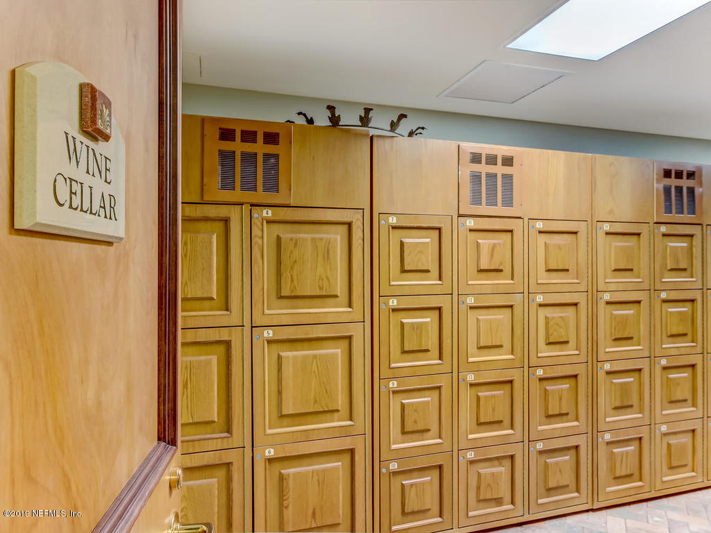 400 BAY, JACKSONVILLE, FLORIDA 32202, 1 Bedroom Bedrooms, ,1 BathroomBathrooms,Rental,For Rent,BAY,1025811