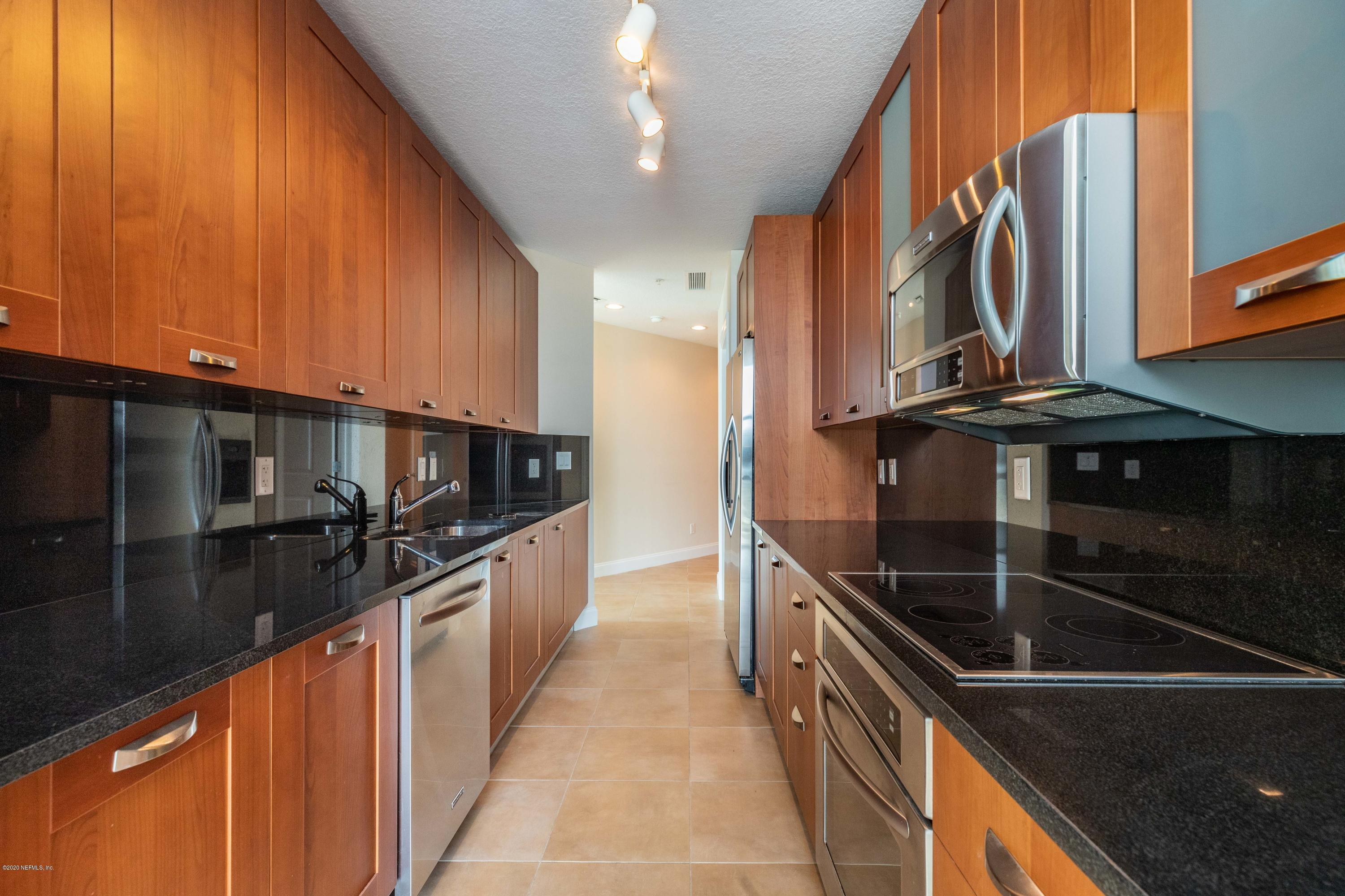 1431 RIVERPLACE, JACKSONVILLE, FLORIDA 32207, 3 Bedrooms Bedrooms, ,3 BathroomsBathrooms,Condo,For sale,RIVERPLACE,925383
