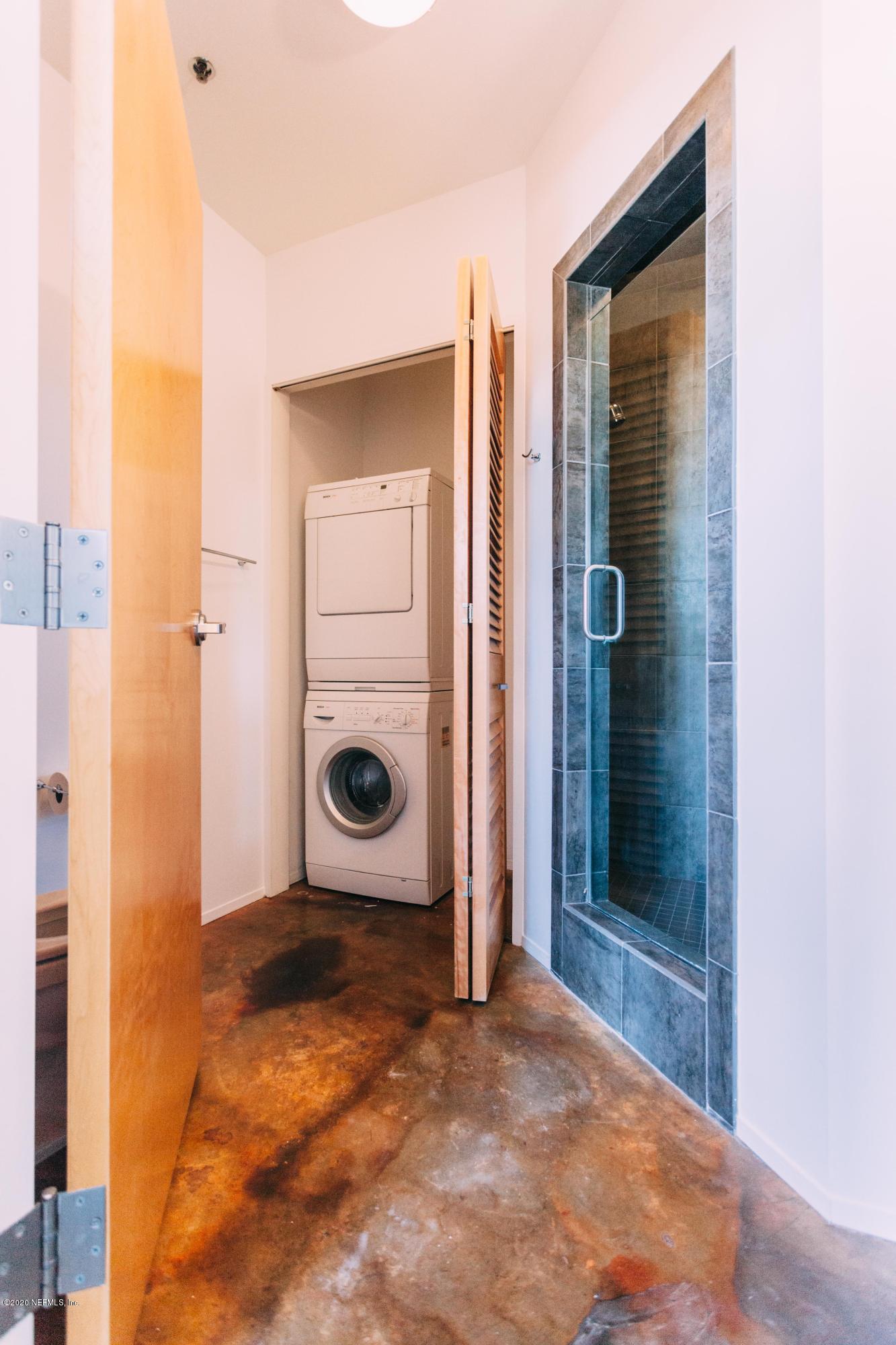 1050 HENDRICKS, JACKSONVILLE, FLORIDA 32207, 1 Bedroom Bedrooms, ,2 BathroomsBathrooms,Residential,For sale,HENDRICKS,1047338