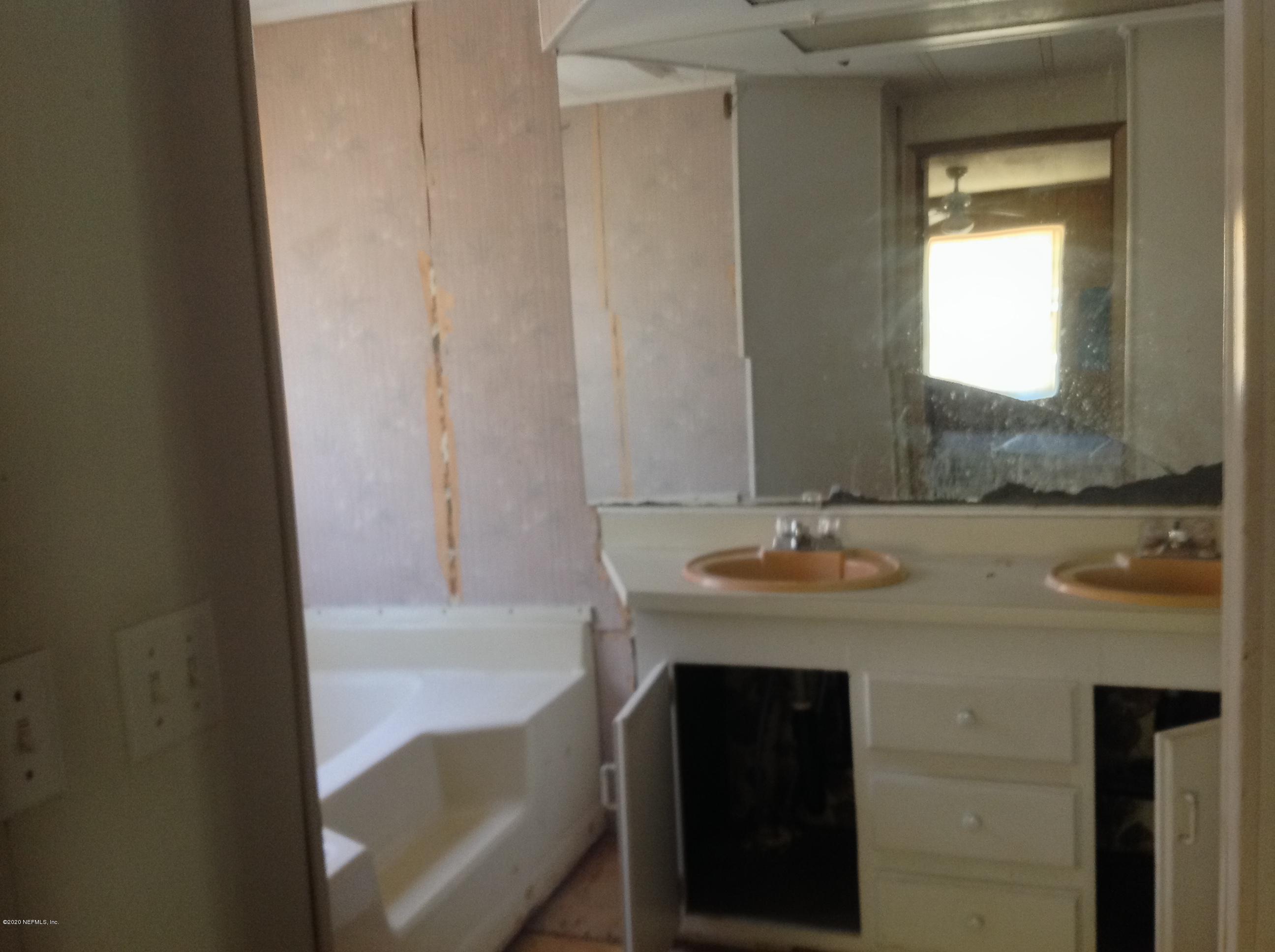 2299 CARNATION, MIDDLEBURG, FLORIDA 32068, 3 Bedrooms Bedrooms, ,2 BathroomsBathrooms,Residential,For sale,CARNATION,1054633
