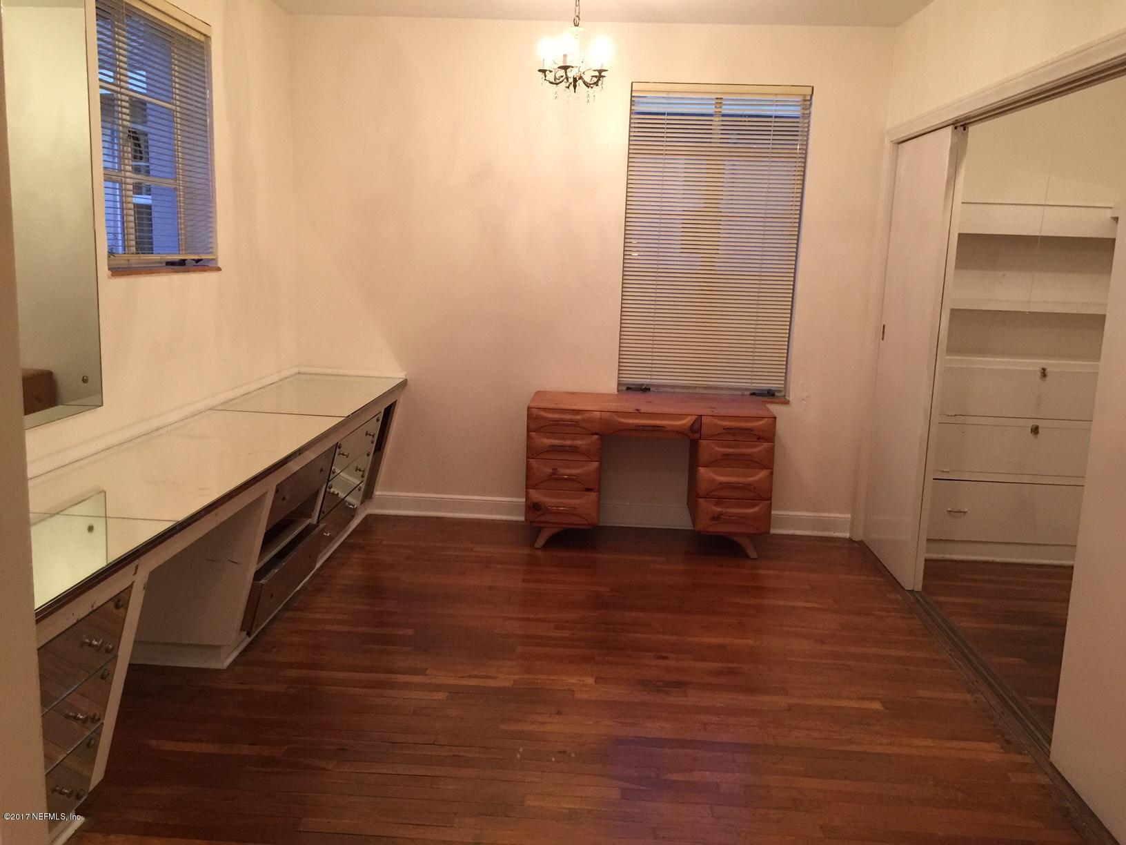 1815 LARGO, JACKSONVILLE, FLORIDA 32207, 8 Bedrooms Bedrooms, ,6 BathroomsBathrooms,Residential,For sale,LARGO,1056132