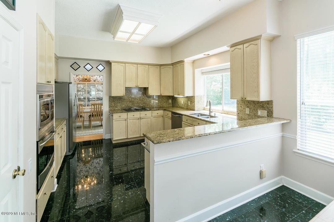 8685 HAMPSHIRE GLEN, JACKSONVILLE, FLORIDA 32256, 4 Bedrooms Bedrooms, ,3 BathroomsBathrooms,Residential,For sale,HAMPSHIRE GLEN,1056161