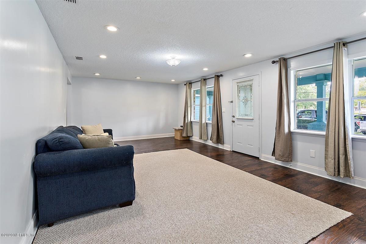 2039 OLD MIDDLEBURG, JACKSONVILLE, FLORIDA 32210, 3 Bedrooms Bedrooms, ,2 BathroomsBathrooms,Residential,For sale,OLD MIDDLEBURG,1072626
