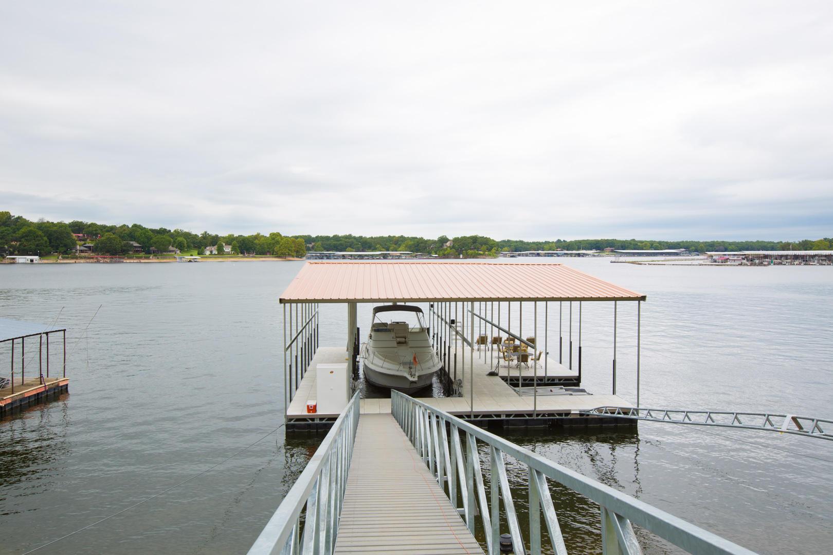 Dock with 8' Walkways And 50' Slip