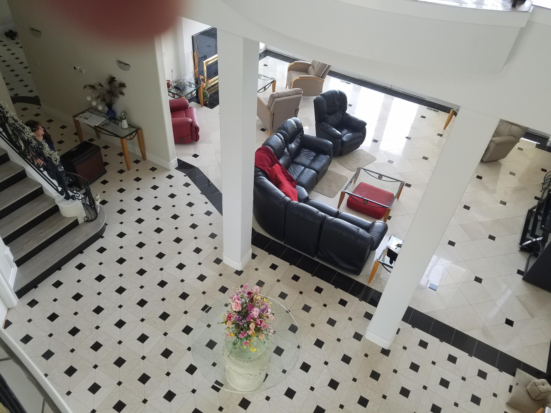 Foyer/Grand Room