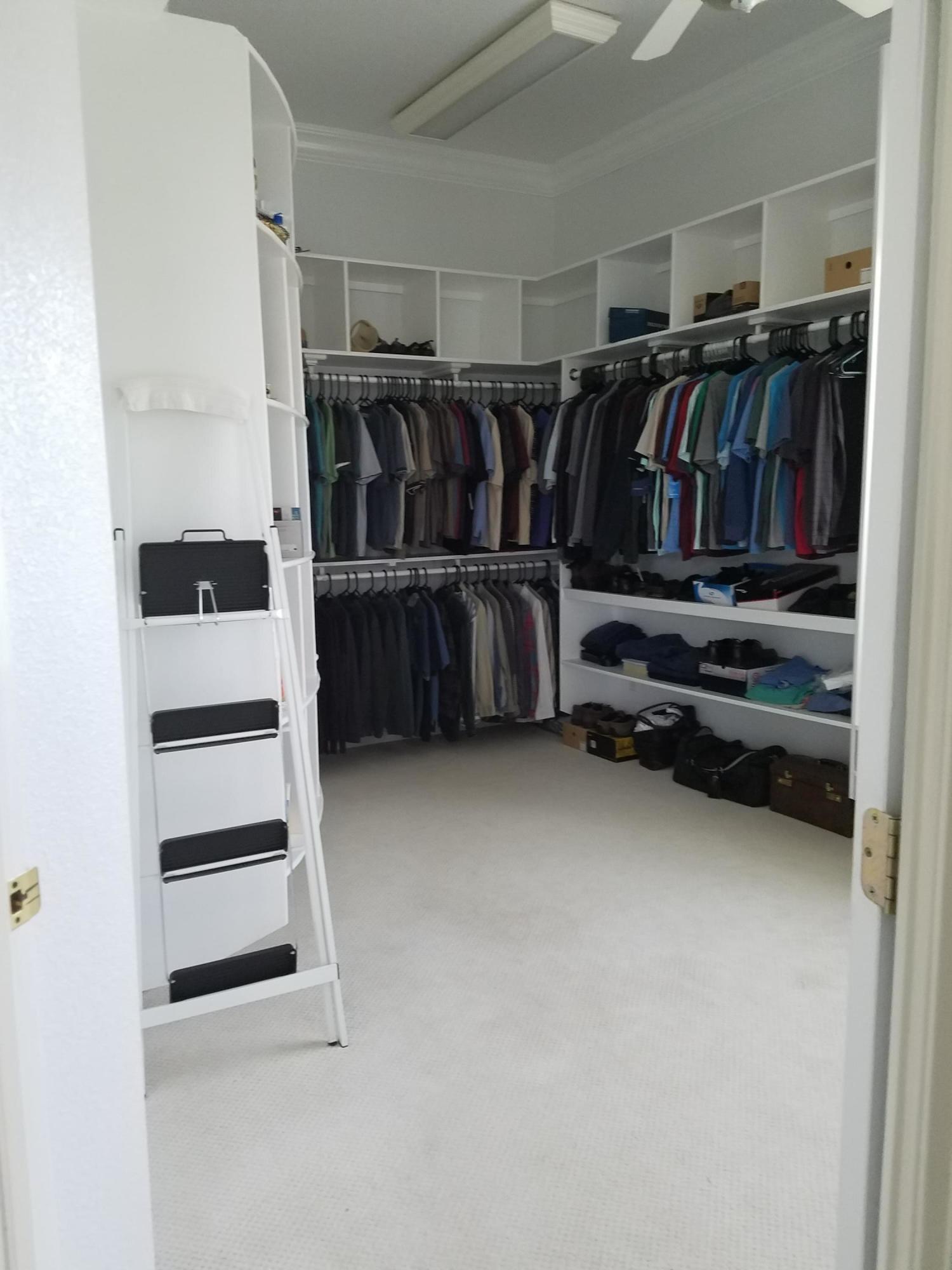 Master Closet (2)