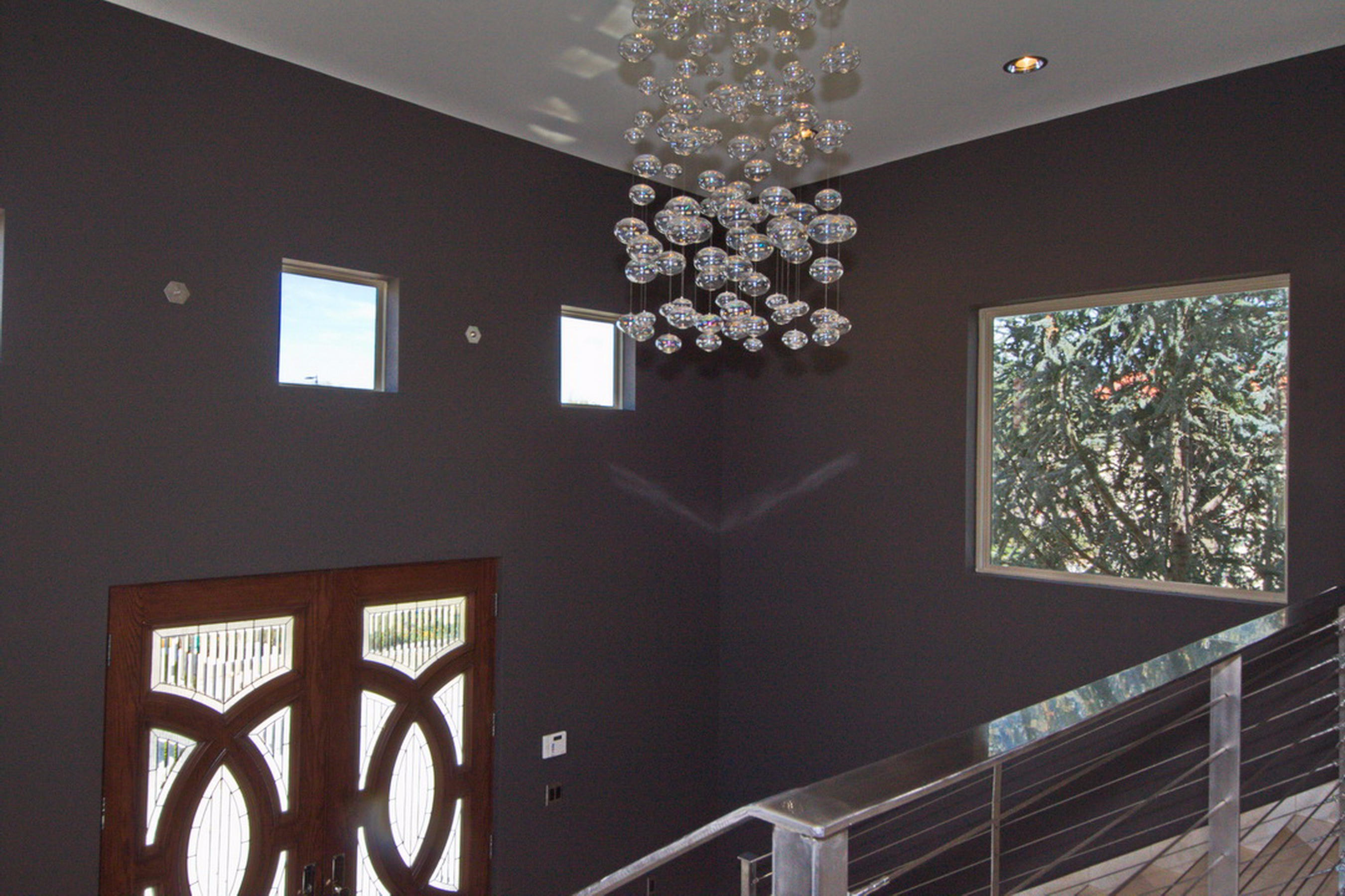 4-Entry Lighting Feature
