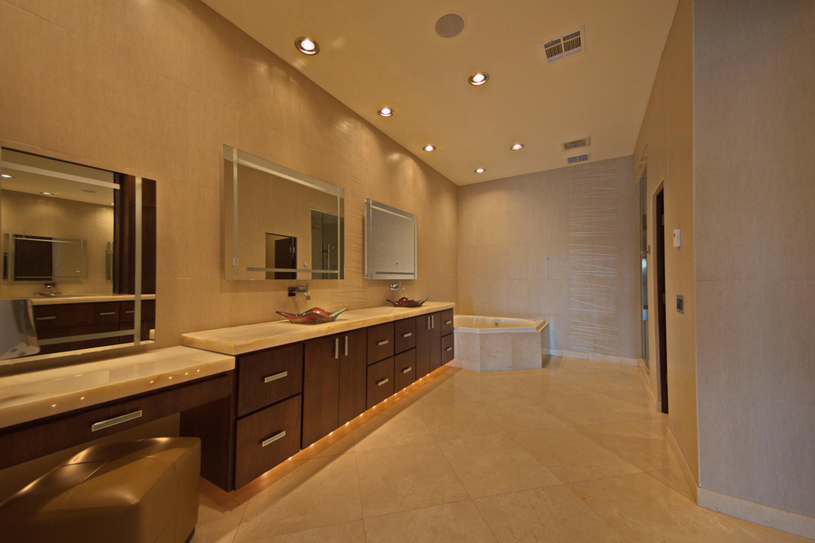 11-Master Bath P1