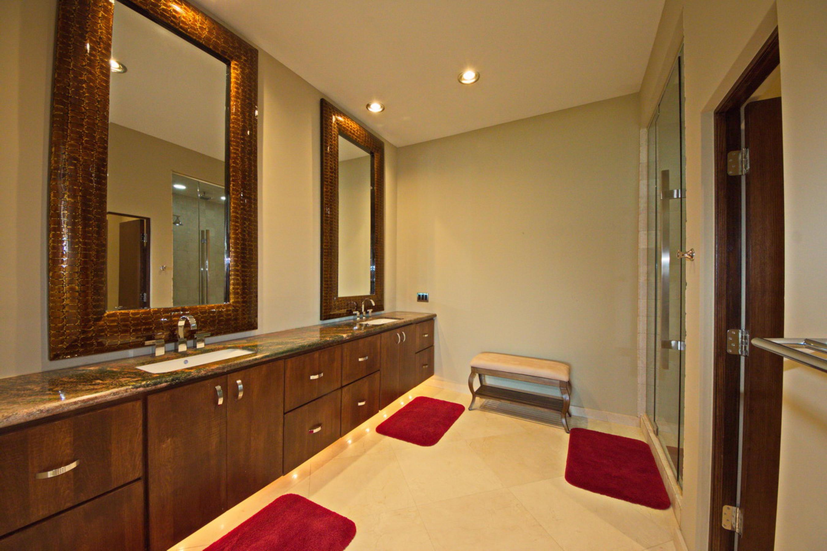 27-Ll Master Bath