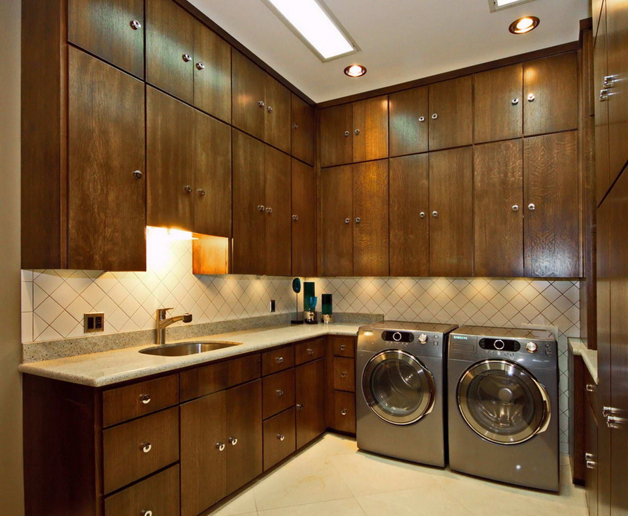 29-Ll Laundry Room