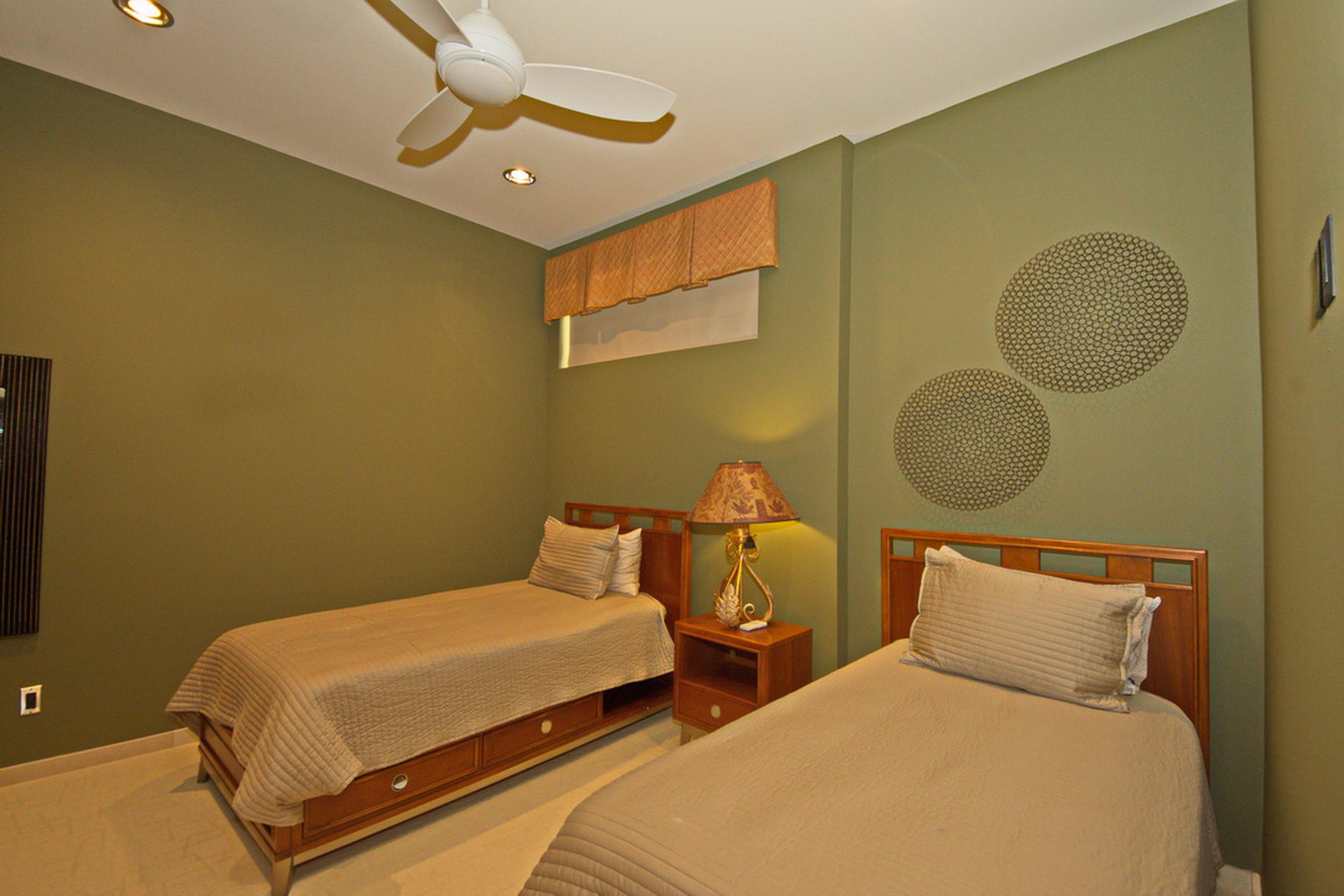 30-Ll Guest Bed Room