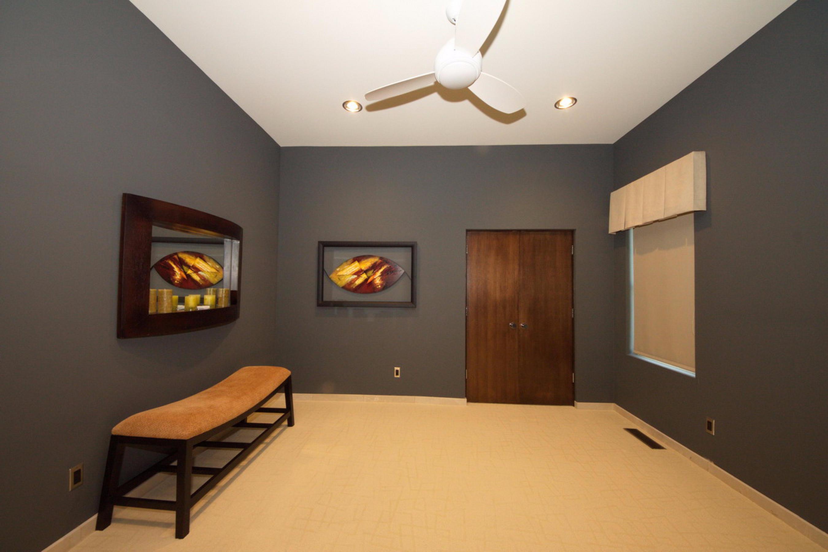 32-Ll Guest Bed Room