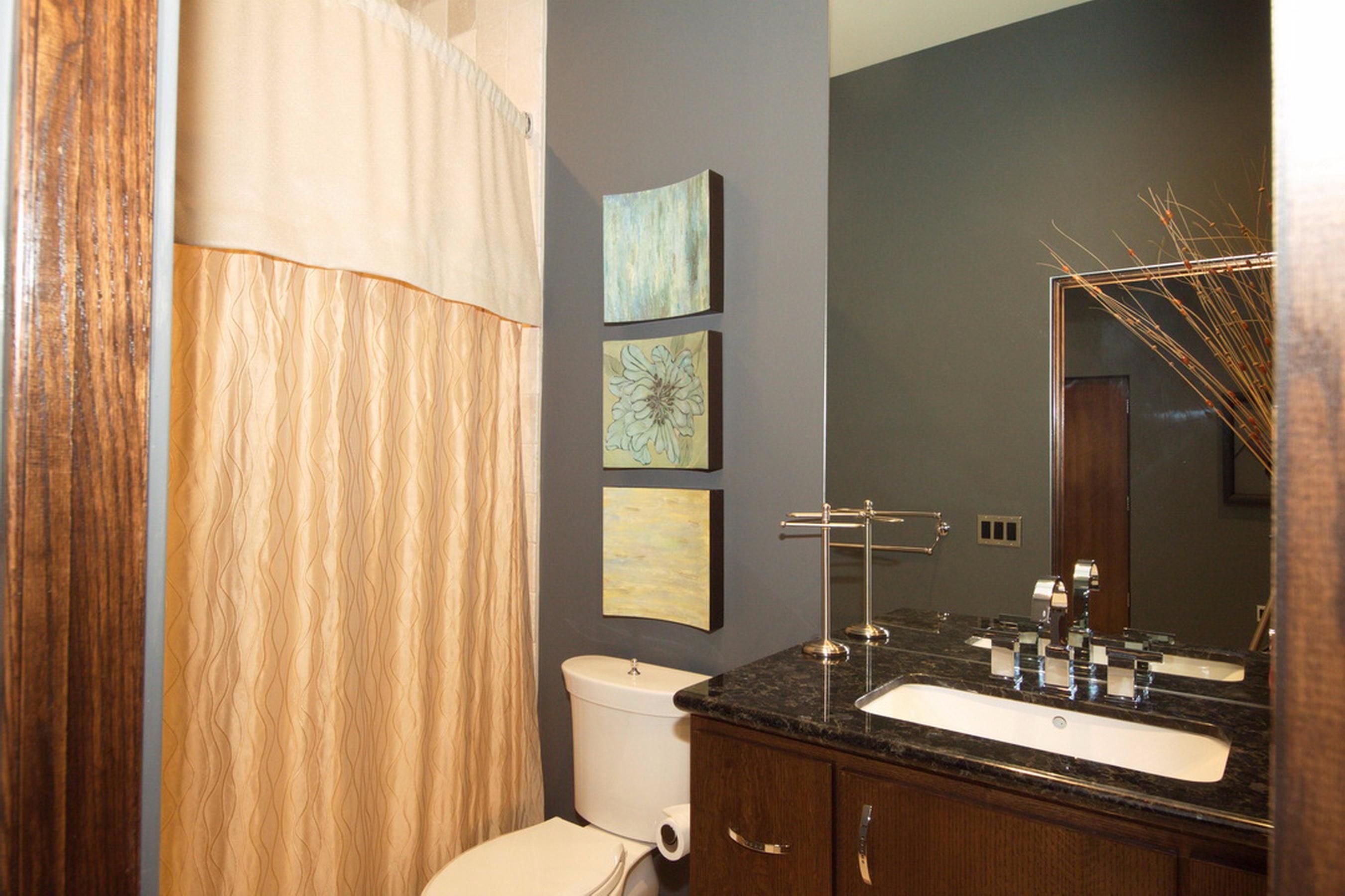 33-Ll Guest Bed Room