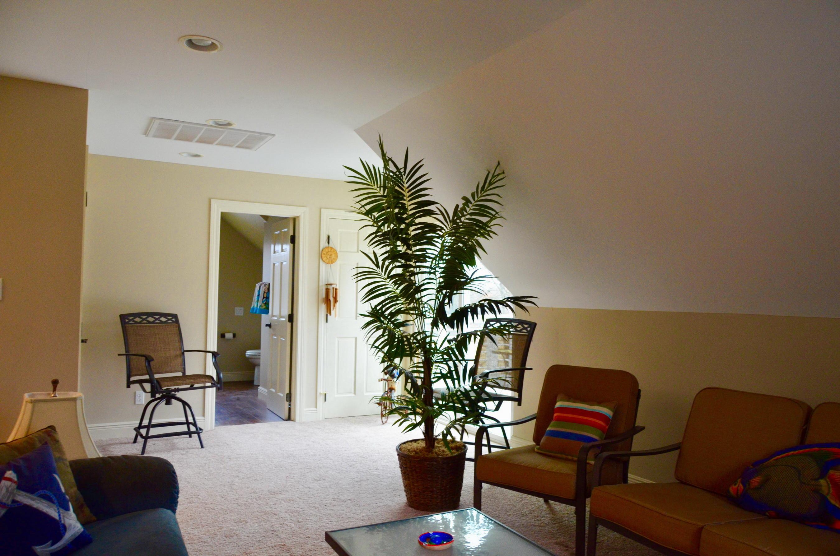 14-Ul Living Area P2
