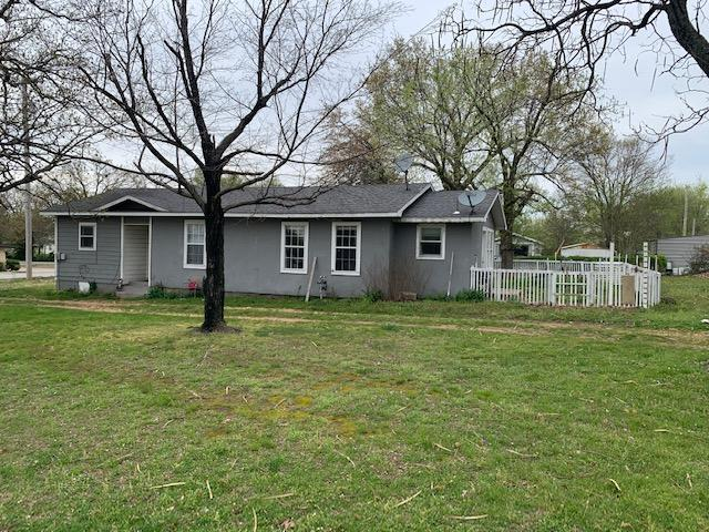 502 N 4Th St, Jay, OK 74346 - Front