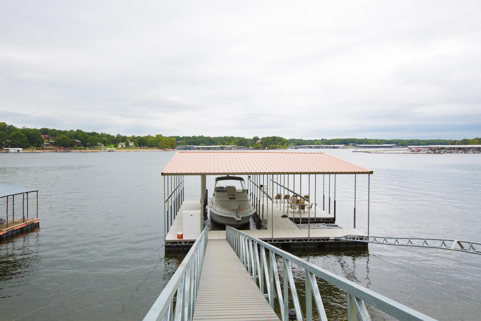 Dock W 50' Slip