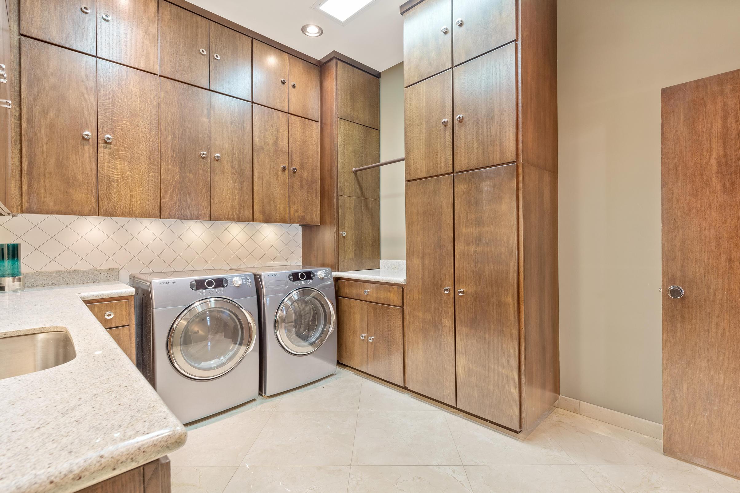 Laundry Room P2