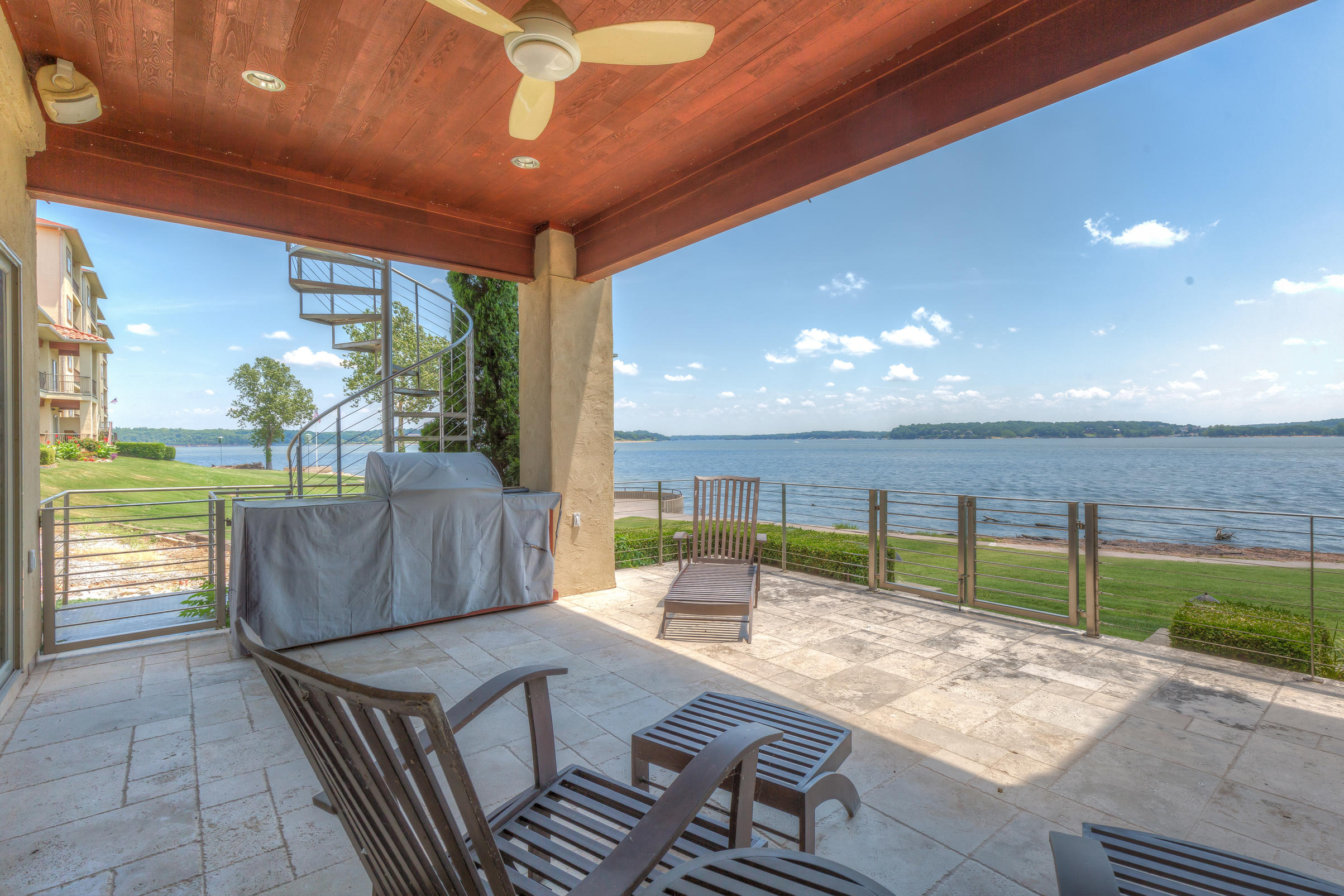 Lakeside Covered Patio