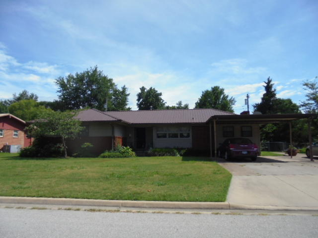 1928 Cleveland St, Miami, OK 74354 - Front