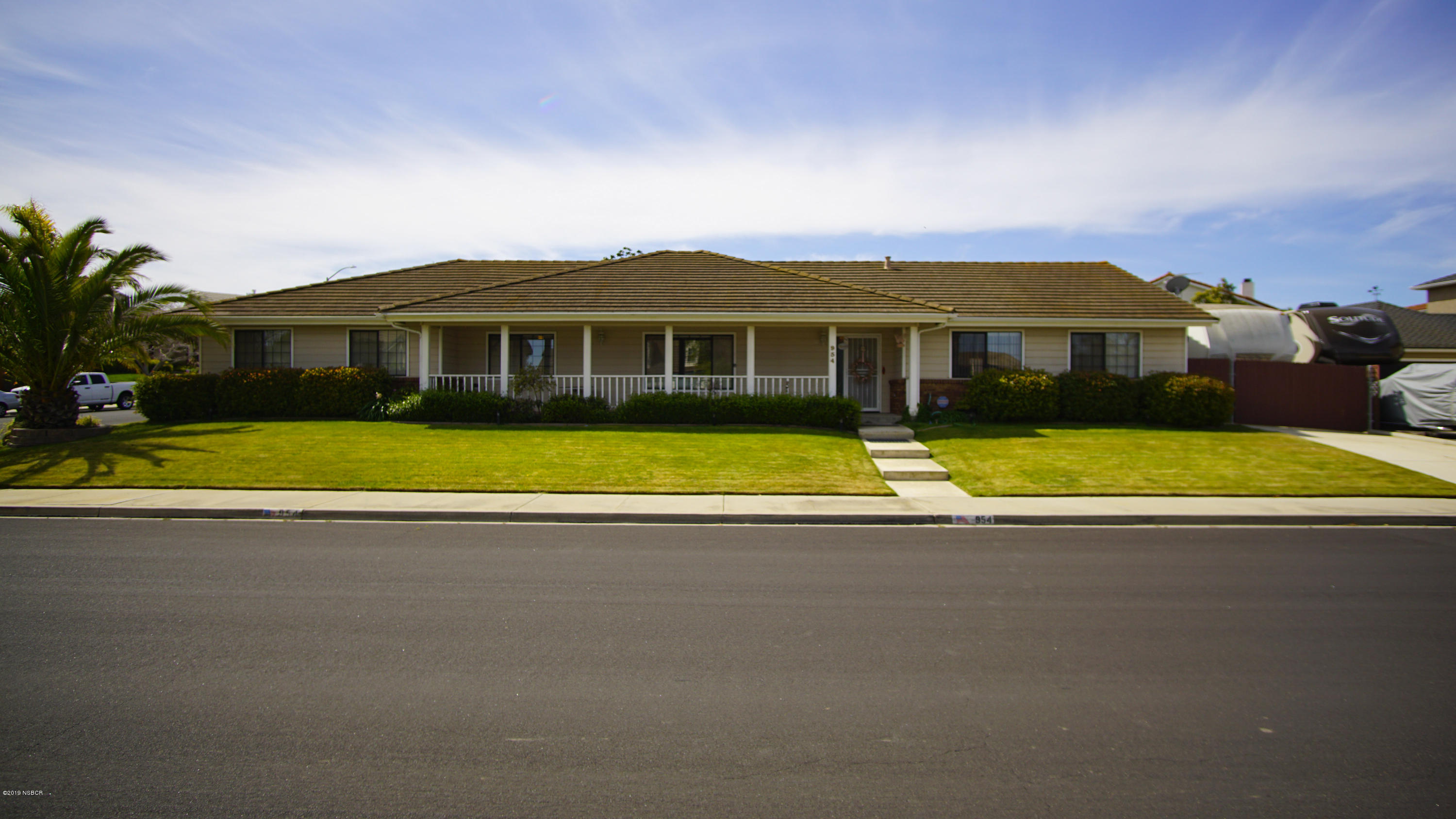 954  Sunrise Drive, Santa Maria, California
