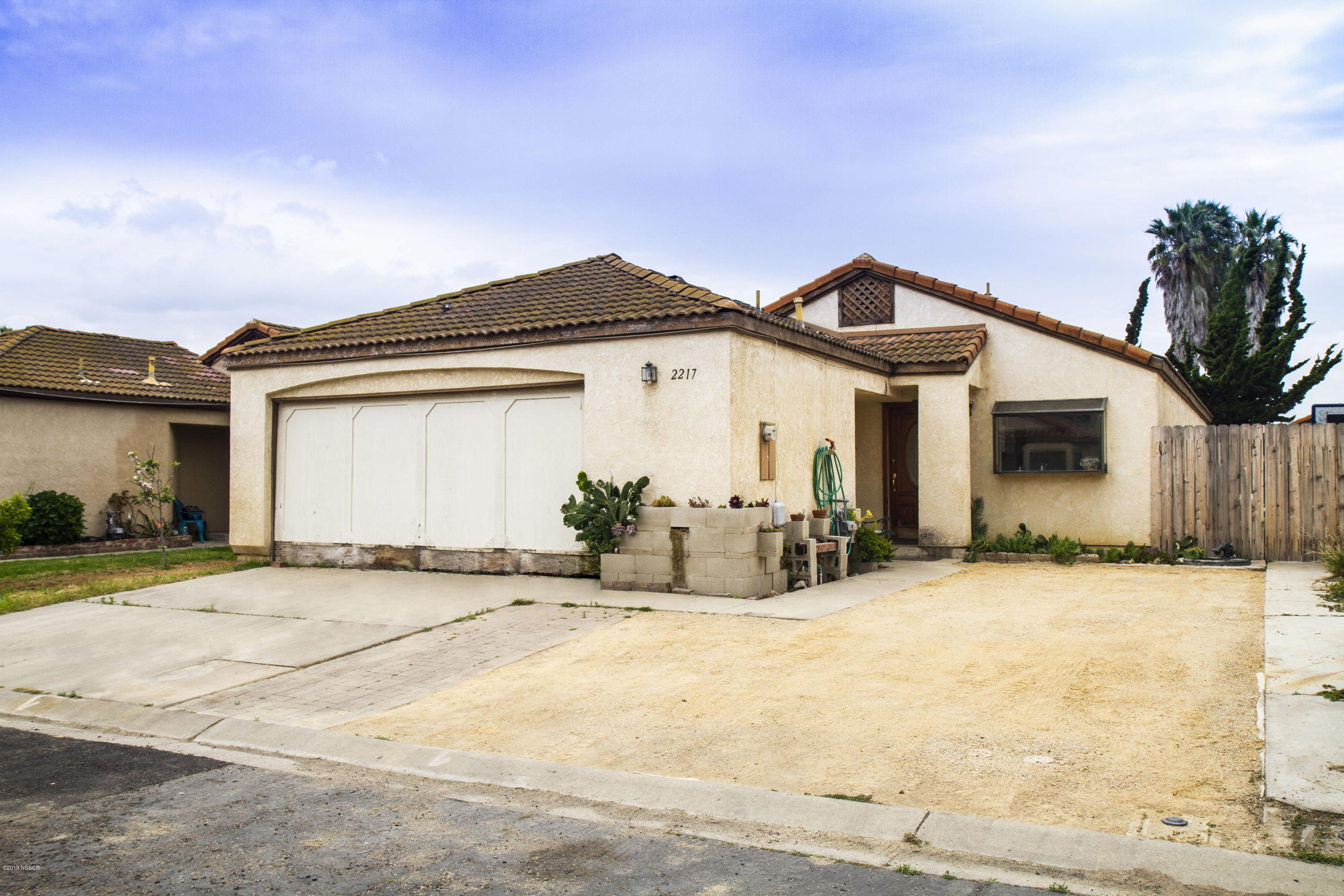 2217  Chestnut Lane, Santa Maria, California