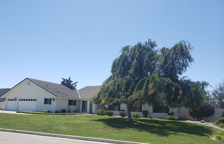 4405  Kapalua Drive, Santa Maria, California