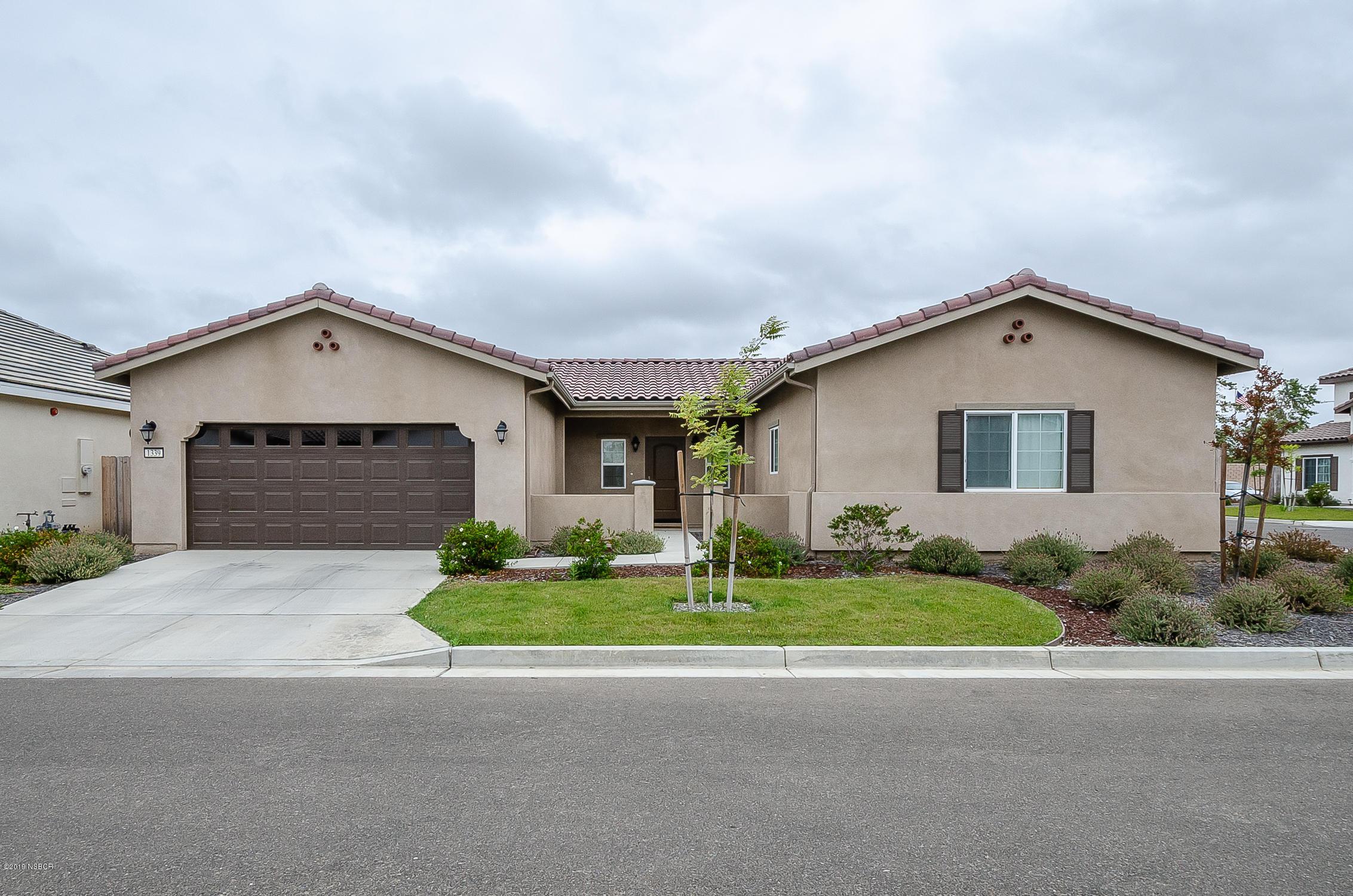 1339  Darien Way, Santa Maria, California