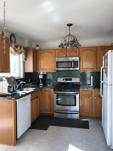 Single Family - Semi-Attached 40 Russell Street  Staten Island, NY 10308, MLS-1117219-8