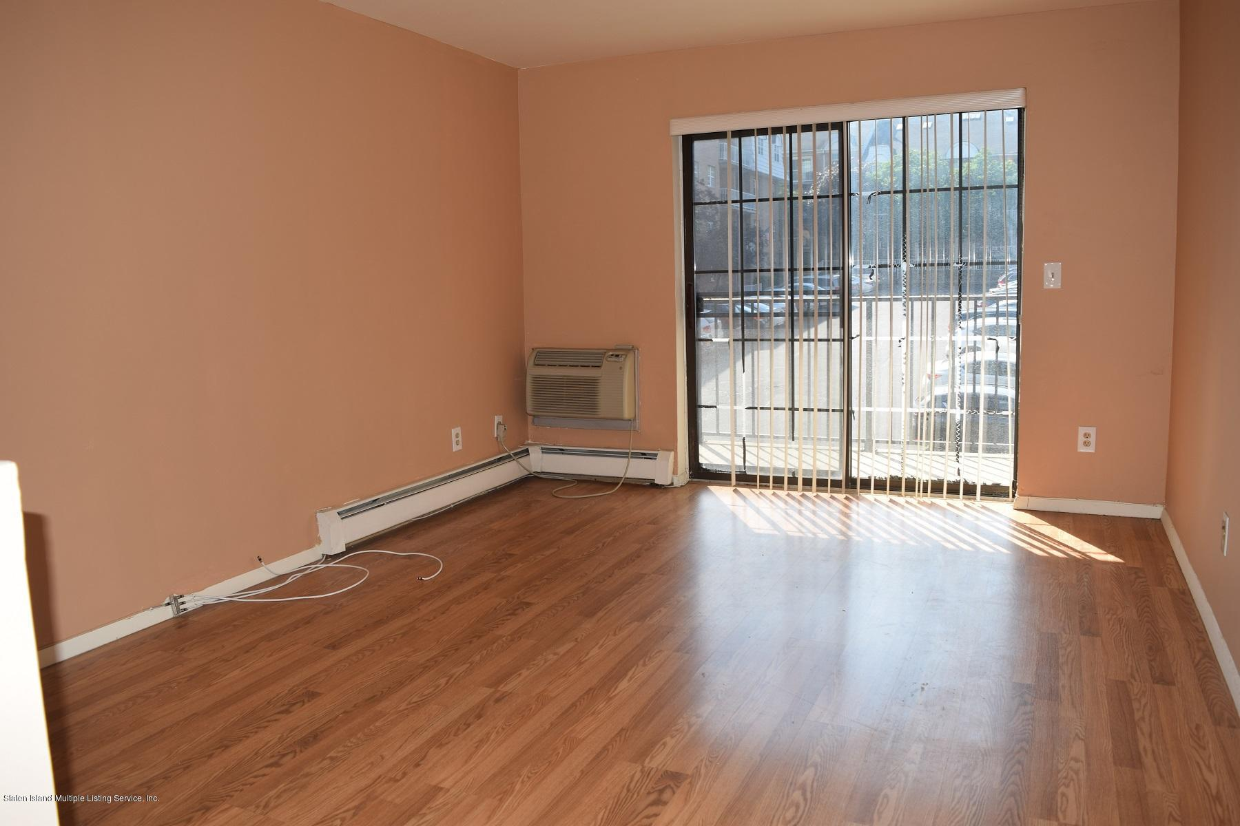 Condo 20 Donna Court 5  Staten Island, NY 10314, MLS-1120941-2