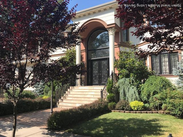 Single Family - Detached in Richmond Town - 64 Mccully Avenue  Staten Island, NY 10306