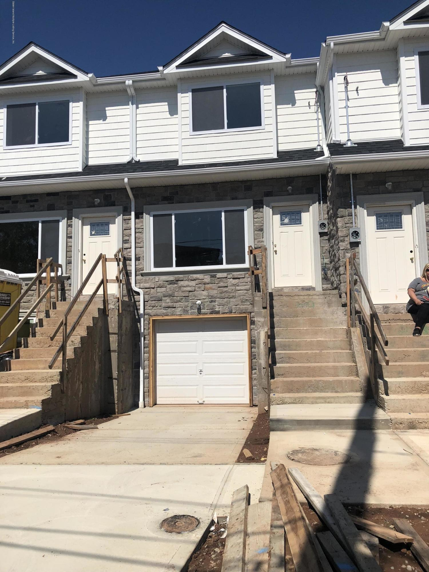 Single Family - Attached in Graniteville - 40 Eunice Place   Staten Island, NY 10303