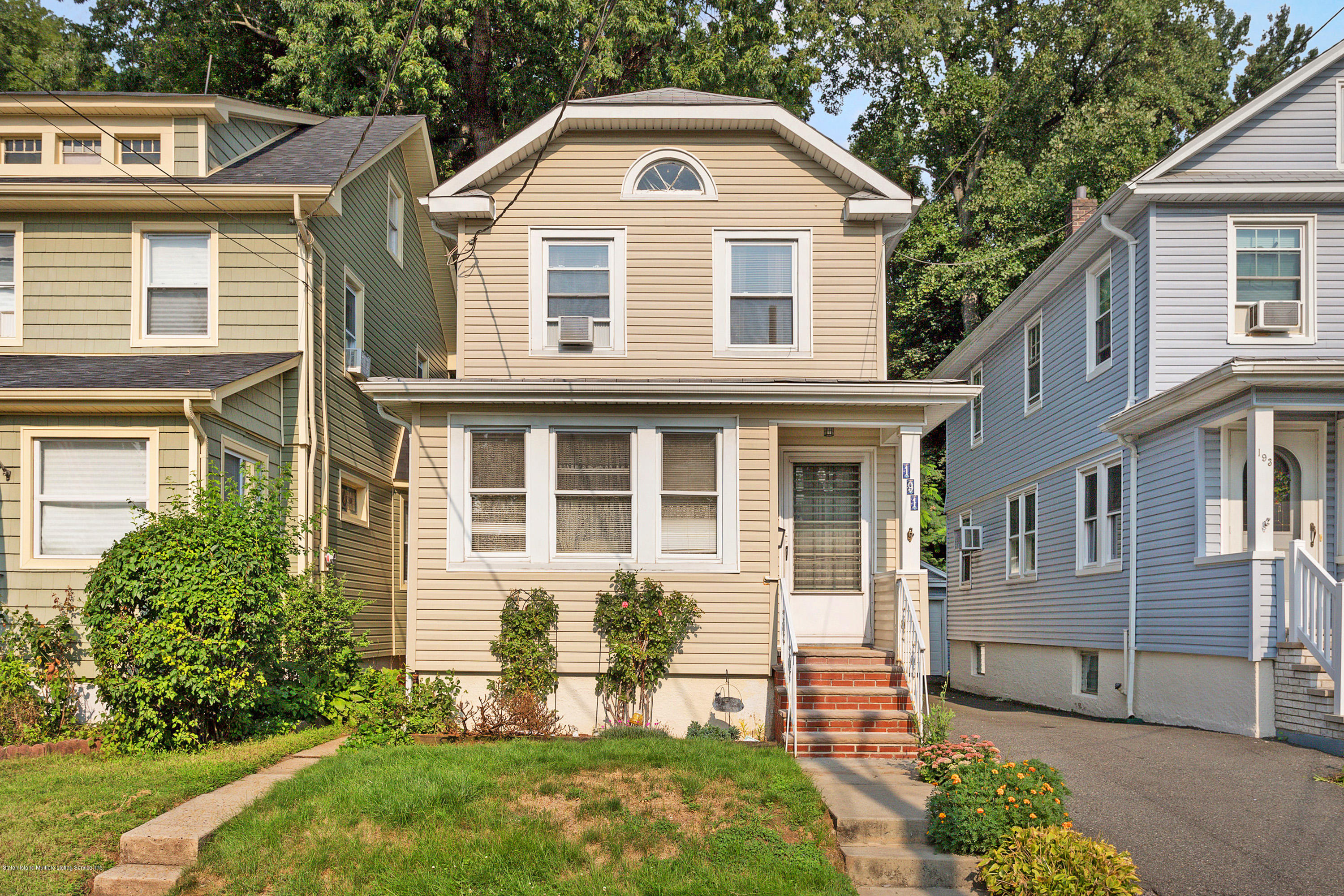 Single Family - Detached in Clove Lake - 191 Raymond Place  Staten Island, NY 10310