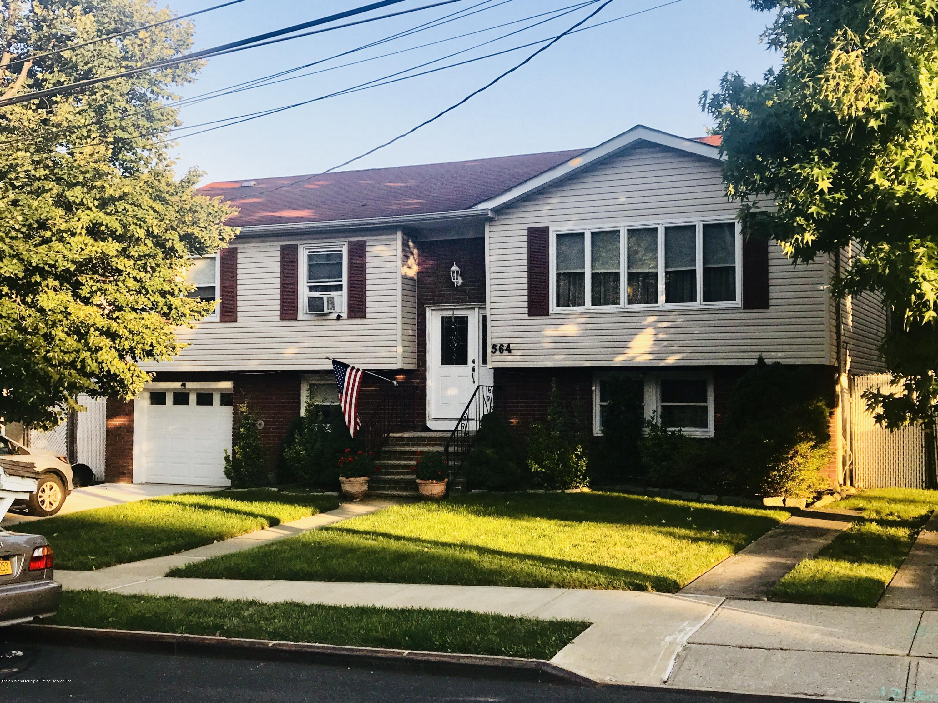 Single Family - Detached in Huguenot - 564 Vineland Avenue  Staten Island, NY 10312