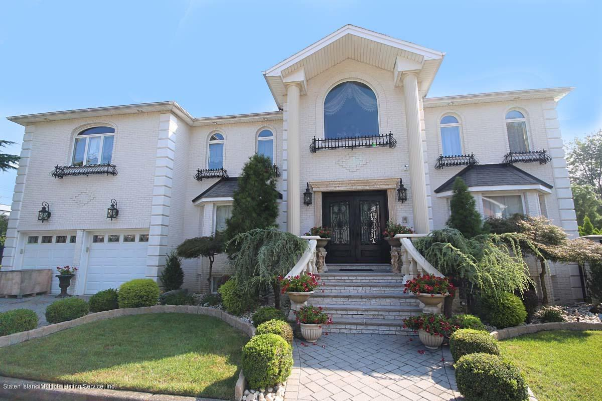 15 Cottontail Court,Staten Island,New York,10312,United States,4 Bedrooms Bedrooms,10 Rooms Rooms,4 BathroomsBathrooms,Residential,Cottontail,1122611
