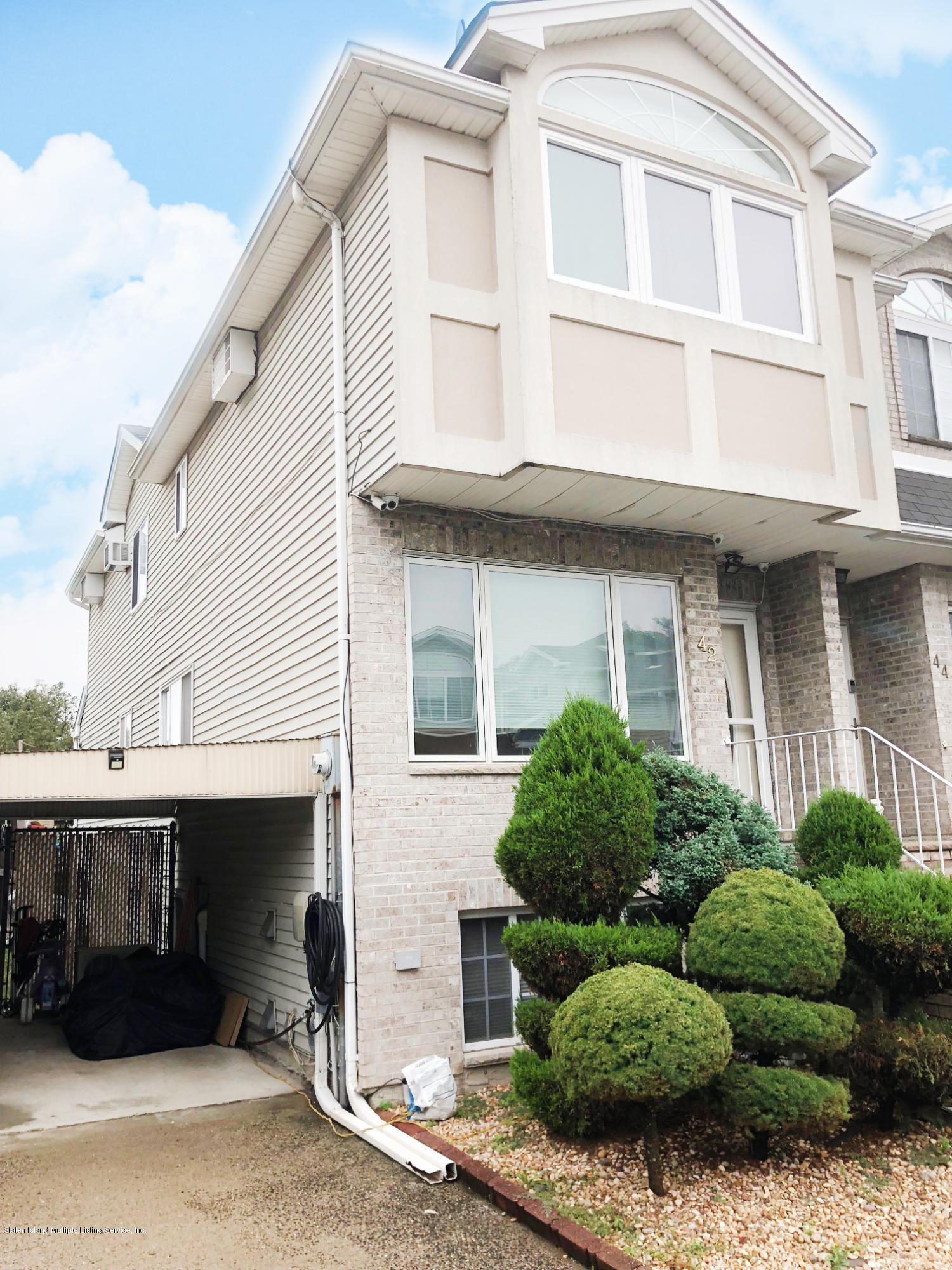 Single Family - Semi-Attached 42 Latourette Lane  Staten Island, NY 10314, MLS-1122620-19