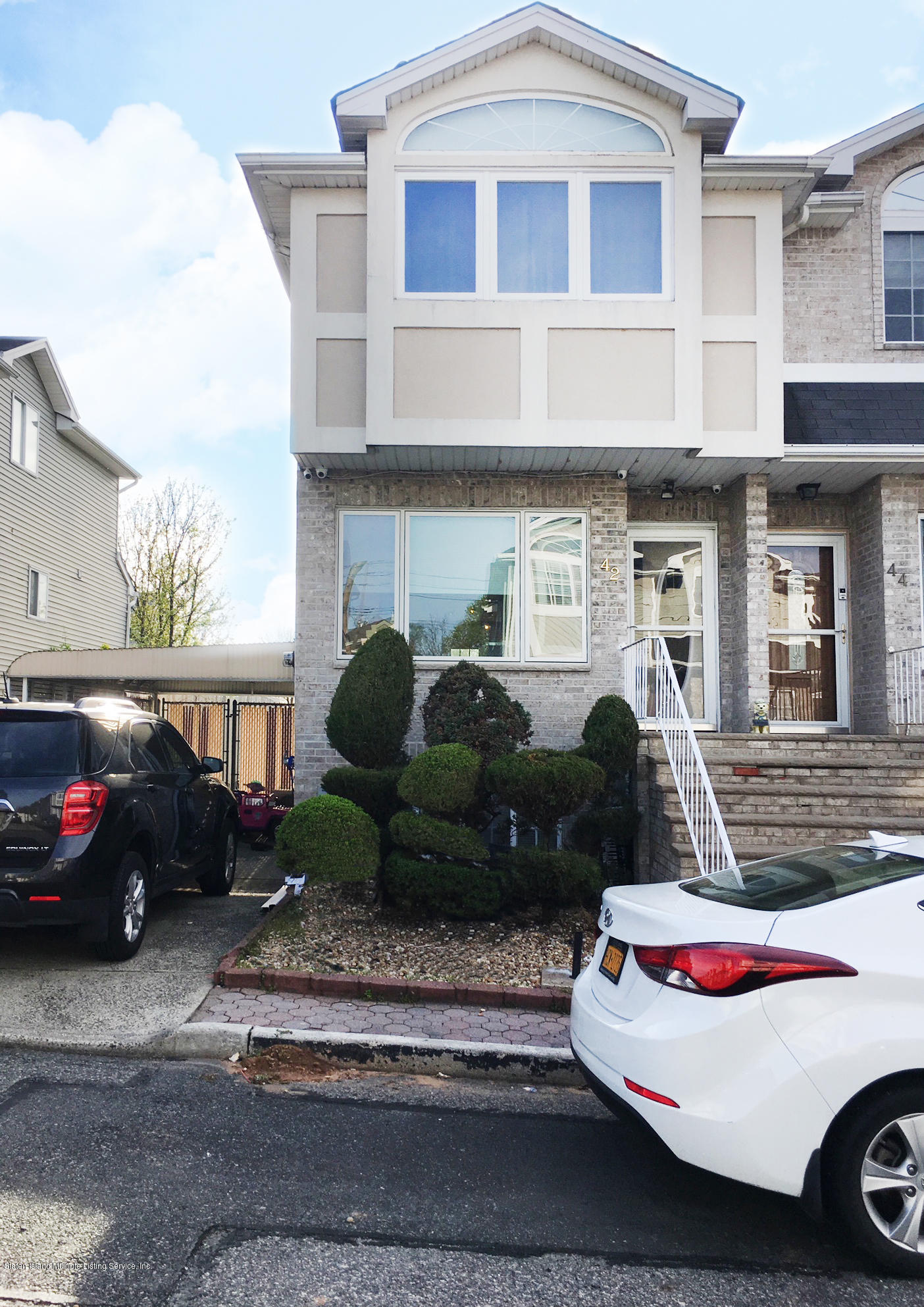 Single Family - Semi-Attached 42 Latourette Lane  Staten Island, NY 10314, MLS-1122620-2